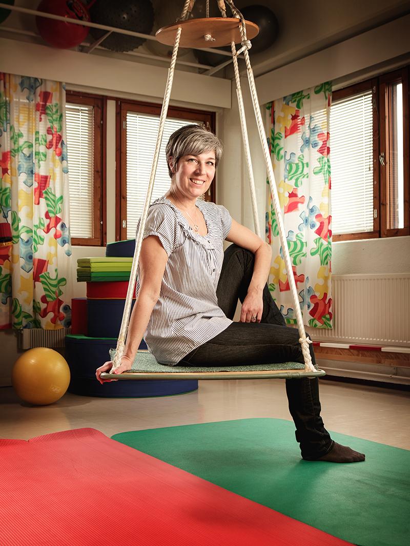 Riitta Mikkola toimii toimintaterapeuttina Lasten terapia Palikoissa